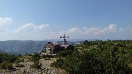 Le moulin au dessus de Navacelle